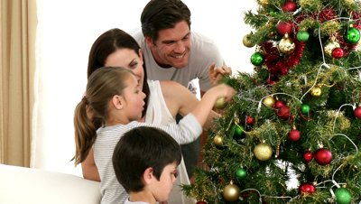 how-to-decorate-the-christmas-tree